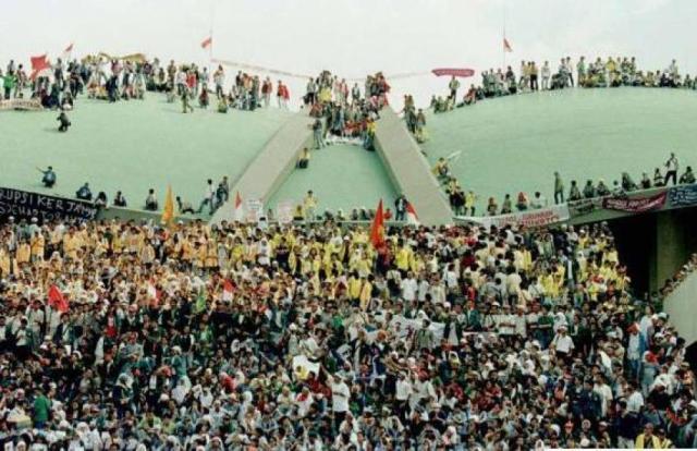 medium_28demo-mahasiswa-1998